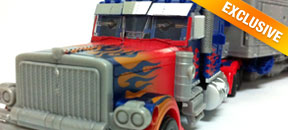 Transformers Dark of the Moon: Ultimate Optimus Prime [Extensive Images]